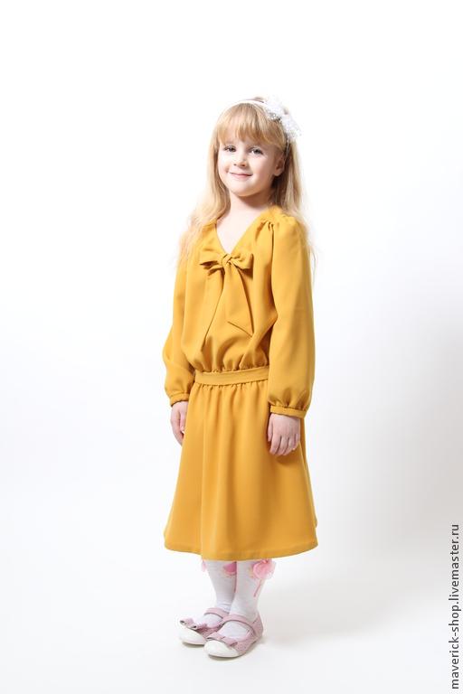На фотографии модель ростом 115см Платье чуть великовато в бедрах.