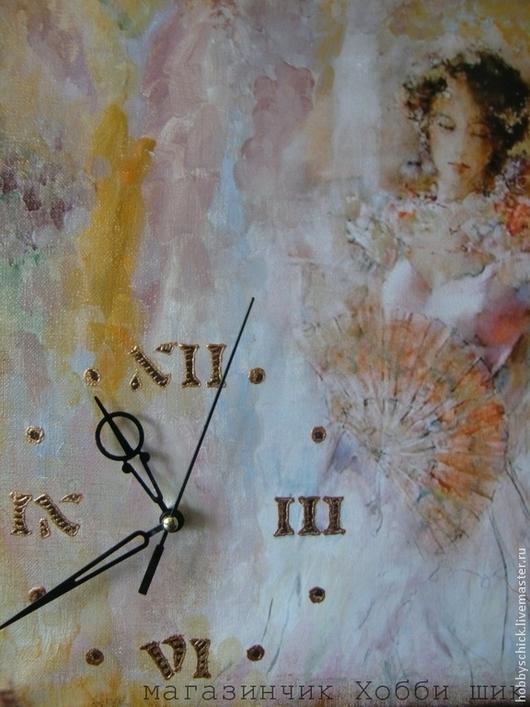 Часы-панно Романтика. Если на картине разместить часовой механизм, то простой на первый взгляд холст в один миг превращается в самые старые часы в вашем доме, которые можно оформить в багетную раму