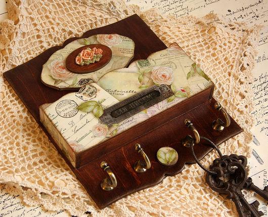 """Прихожая ручной работы. Ярмарка Мастеров - ручная работа. Купить Ключница """"Старые письма"""". Handmade. Коричневый, крючки, розовые розы"""