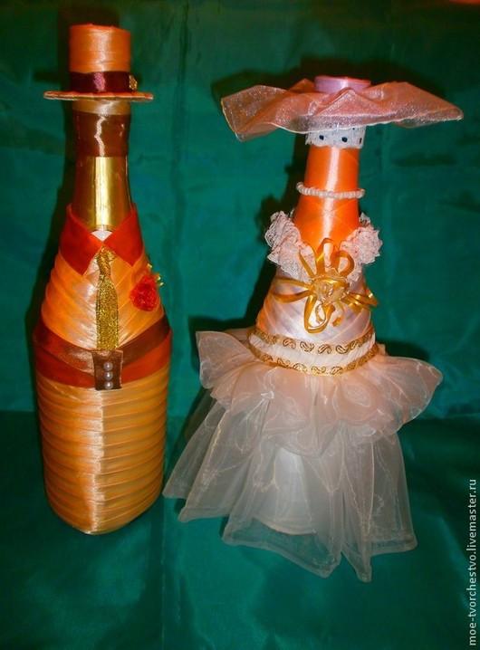 Цена костюма и свадебного платья 1100 руб.