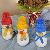 Куклы и игрушки ручной работы. Ярмарка Мастеров - ручная работа Веселые снеговики.  Вязаная игрушка. Handmade.