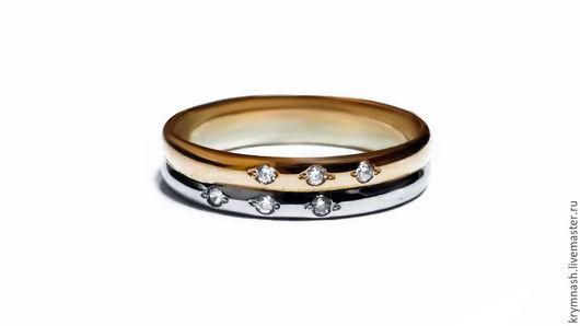 Кольцо `Два золота` с фианитами, золото 585 пробы
