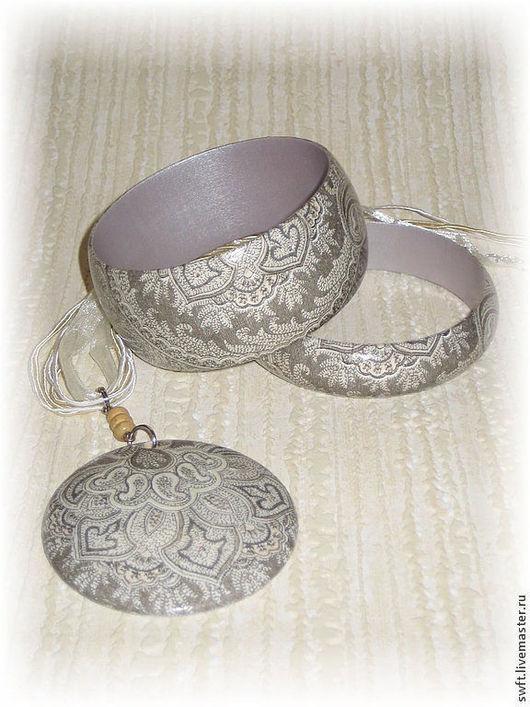 коричневый серый красивый классический стиль женский недорогой деревянный браслет кулон недорого красиво подарок что подарить девушке женщине сестре подруге маме жене на 8 марта день рождения дерево
