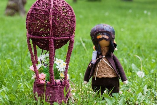 """Коллекционные куклы ручной работы. Ярмарка Мастеров - ручная работа. Купить Куколка """"Девочка Путешественница"""" с воздушным шаром. Handmade. Куколка"""