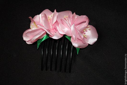 """Заколки ручной работы. Ярмарка Мастеров - ручная работа. Купить Гребень для волос  """"Весна"""". Handmade. Розовый, гребень для волос, весна"""