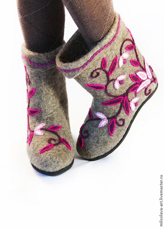 Обувь ручной работы. Ярмарка Мастеров - ручная работа. Купить Полуваленки ручной валки с ручной вышивкой. Handmade. Полуваленки