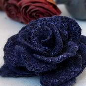 """Брошь-булавка ручной работы. Ярмарка Мастеров - ручная работа Валяная брошь """"Синяя роза"""". Handmade."""