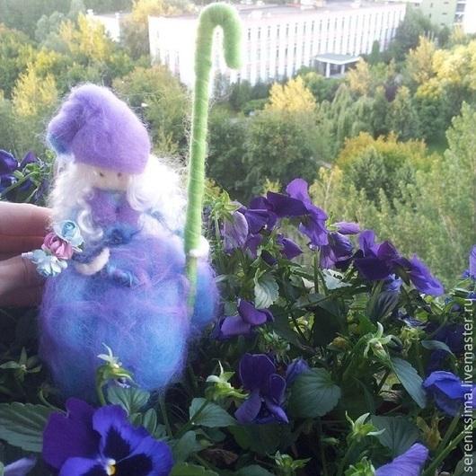 Полностью валяная кукла `Лавандовая фея`
