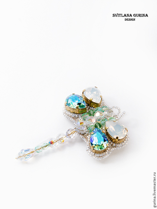 Кулон-брошь Стрекоза, Украшение из кристаллов Swarovski, вышивка