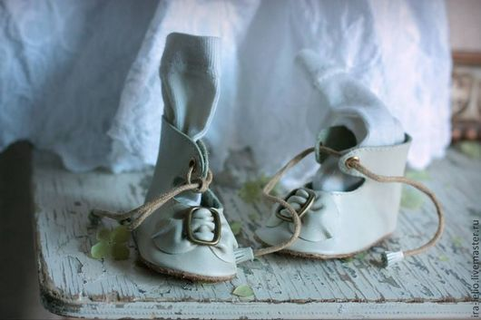Одежда для кукол ручной работы. Ярмарка Мастеров - ручная работа. Купить Туфельки для антикварной куколки. Handmade. Туфельки, туфельки для куклы