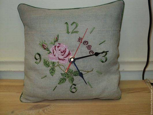 """Часы для дома ручной работы. Ярмарка Мастеров - ручная работа. Купить Часы-подушка """"Роза"""". Handmade. Комбинированный, роза, лен"""