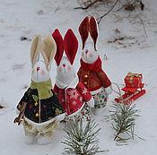Куклы и игрушки ручной работы. Ярмарка Мастеров - ручная работа Зайки на Рождество. Handmade.