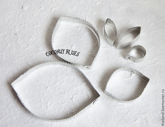 Каттер подсолнух (лепестки, листья). Кокосов блюз. Материалы для флористики из Таиланда