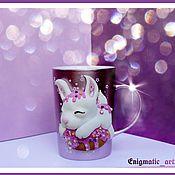 Кружки ручной работы. Ярмарка Мастеров - ручная работа Кружка с кроликом (с зайчиком). Handmade.