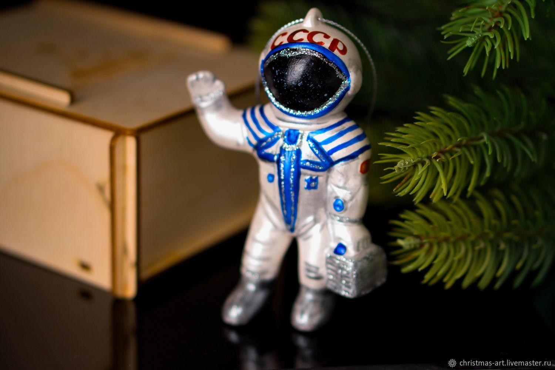 Елочная игрушка Новогодняя фарфоровая елочная игрушка Космонавт, Елочные игрушки, Москва,  Фото №1