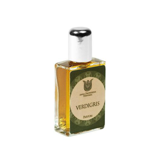 Натуральные духи  Verdigris -  фужер с главным действующим лицом — шалфеем.