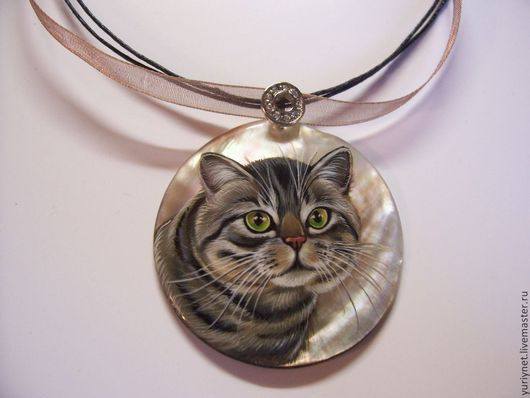 кулон`кот Британец`роспись по перламутру