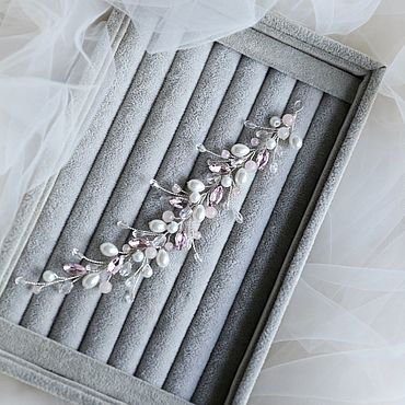 Свадебный салон ручной работы. Ярмарка Мастеров - ручная работа Свадебная веточка в прическу невесты с жемчугом и розовым акцентном. Handmade.