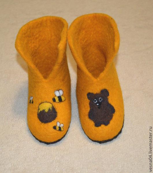 """Обувь ручной работы. Ярмарка Мастеров - ручная работа. Купить Валеночки домашние, детские """" Мишки очень любят мёд """". Handmade."""