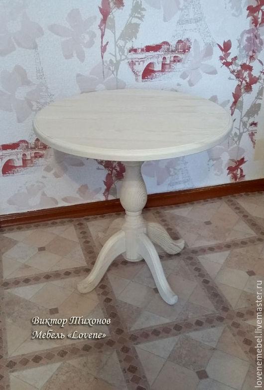 Мебельная заготовка круглого журнального стола из массива сосны для самостоятельного декора, росписи, декупажа. На фото  стол высота 55 см., d 55 см.