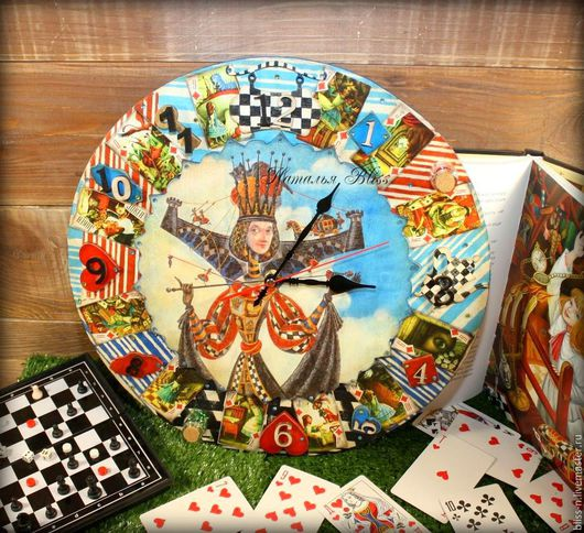 """Часы для дома ручной работы. Ярмарка Мастеров - ручная работа. Купить Часы """"Алиса в стране Чудес"""". Handmade. Комбинированный, сказочный"""