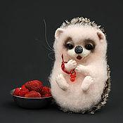"""Куклы и игрушки ручной работы. Ярмарка Мастеров - ручная работа Ёжичка """"КЛУБНИЧКА"""". Handmade."""