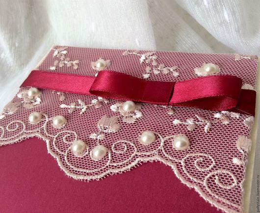 """Свадебные открытки ручной работы. Ярмарка Мастеров - ручная работа. Купить """"Зимняя вишня"""" приглашение на свадьбу. Handmade. Бордовый"""