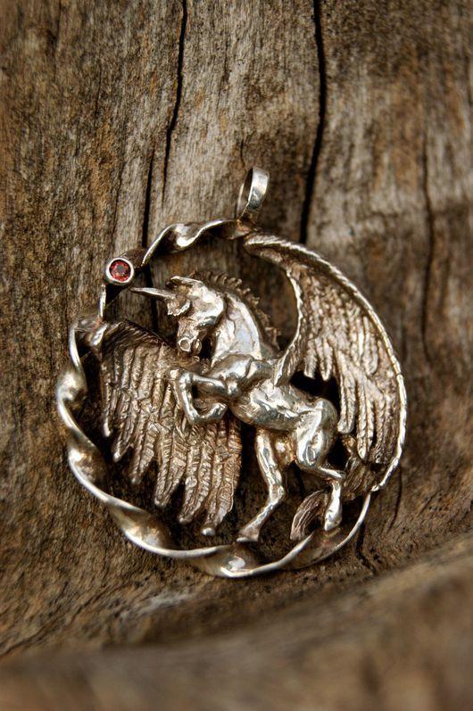 """Кулоны, подвески ручной работы. Ярмарка Мастеров - ручная работа. Купить Кулон """"Unicorn"""" из светлого серебра. Handmade. Серебряный"""