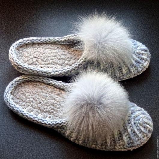 Обувь ручной работы. Ярмарка Мастеров - ручная работа. Купить Тапочки-шлепки вязаные, бело-серый меланж, полушерсть, р. 40. Handmade.
