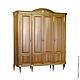 Классический шкаф из натурального дерева. Благородный,богатый, стильный и в то же время лаконичный, станет настоящей находкой для Вашей гостиной, кабинета, спальни. Резьба, изогнутые фасады, позолото