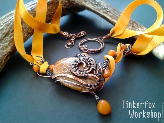 """Колье, бусы ручной работы. Ярмарка Мастеров - ручная работа. Купить Колье с кораллом и янтарем """"Медовое солнце"""". Handmade. Оранжевый"""