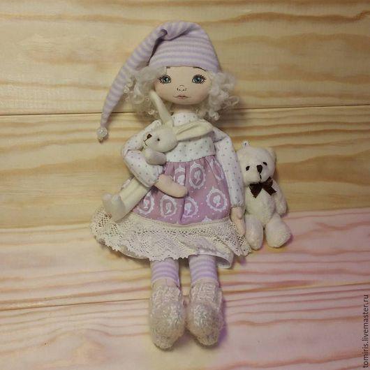 Куклы Тильды ручной работы. Ярмарка Мастеров - ручная работа. Купить Девочка с Зайкой. Handmade. Бледно-сиреневый, кукла в подарок