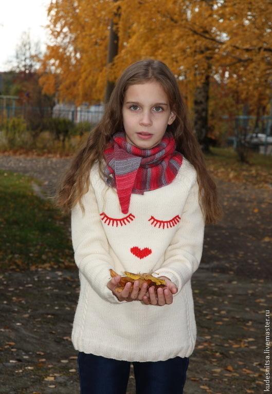 """Одежда для девочек, ручной работы. Ярмарка Мастеров - ручная работа. Купить Джемпер для девочки """"Реснички"""". Handmade. Белый, одежда для девочки"""