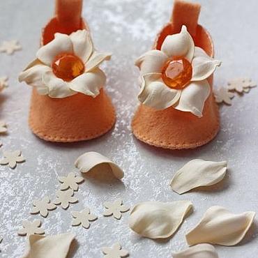 Обувь ручной работы. Ярмарка Мастеров - ручная работа Карамельно-апельсиновые пинетки-туфельки. Handmade.
