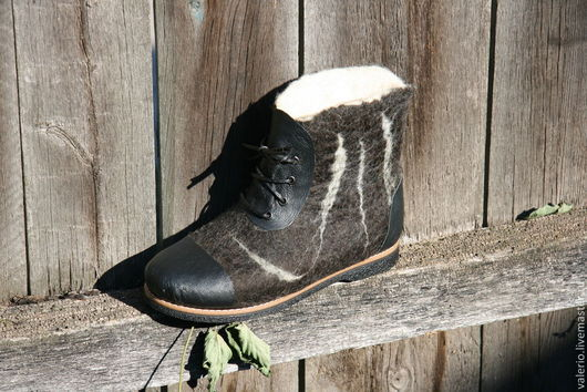 """Обувь ручной работы. Ярмарка Мастеров - ручная работа. Купить """"Тюмень"""". Handmade. Черный, валенки на подошве, кожа"""