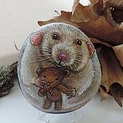 Мышка с мишкой, камень