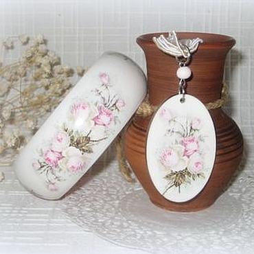 Украшения ручной работы. Ярмарка Мастеров - ручная работа Белый женский браслет из дерева и кулон Розовые розы. Ретро стиль. Handmade.