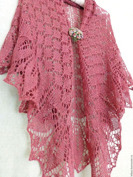 шаль, шаль спицами, шаль вязаная, шаль ручной работы, шаль-паутинка, вязаная шаль, ажурный, ажурная шаль, купить шаль, большая шаль, легкая шаль, шаль в подарок, шаль ажурная спицами, розовый, ягодный