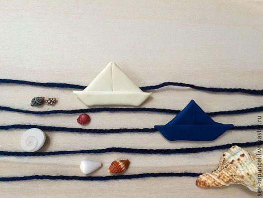 Брошки `бумажные кораблики`, морской стиль, морская тема, море, брошь для платья, брошь для пиждака, брошь для плаща. Кораблик, море.
