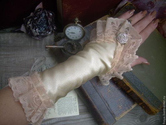 """Варежки, митенки, перчатки ручной работы. Ярмарка Мастеров - ручная работа. Купить Перчатки """" Кремовые розы"""". Handmade."""