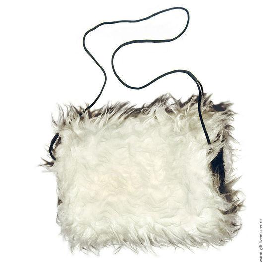 """Муфта """"Пушистый дружок"""" (04-32) Clutch sleeve """"Fluffy Friend"""" (04-32) Искусственный мех (белый пушистый снаружи и черный мягкий внутри), размеры 28 х 20 см"""