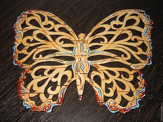 Сувениры ручной работы. Ярмарка Мастеров - ручная работа. Купить Бабочка из бересты. Handmade. Голубой, ажурный узор, магнит на холодильник