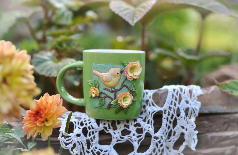 Кружки и чашки ручной работы. Ярмарка Мастеров - ручная работа. Купить Кружка с птицей и цветами, Кружка с декором из полимерной глины. Handmade.