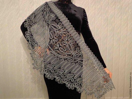 Вариант 1:цвет эффект серебристости. Нитка : шёлк натуральный(индия)чёрного и белого цвета . Цена 16000 руб.