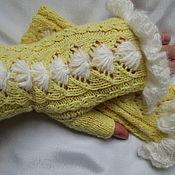 Аксессуары handmade. Livemaster - original item A copy of the work Mittens yellow, Merino DANDELIONS. Handmade.