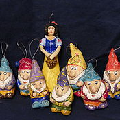 Подарки к праздникам ручной работы. Ярмарка Мастеров - ручная работа Белоснежка и семь гномов. Елочные игрушки из папье-маше. Handmade.