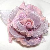 Украшения ручной работы. Ярмарка Мастеров - ручная работа Розовая роза из шерсти и  органзы. Handmade.