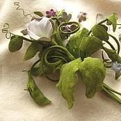 Украшения handmade. Livemaster - original item flowers made of leather and suede. decoration brooch pin green peas.. Handmade.