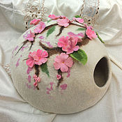 """Для домашних животных, ручной работы. Ярмарка Мастеров - ручная работа Домик для котика """"Сакура"""". Handmade."""