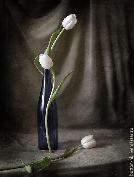 Фотокартины ручной работы. Ярмарка Мастеров - ручная работа. Купить Натюрморт Триада. Handmade. Белый, черный, синий, коричневый, тюльпаны
